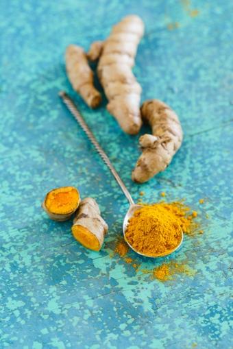 minerały i witaminy w kurkumie